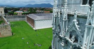 La torre inclinada de Pisa almacen de metraje de vídeo