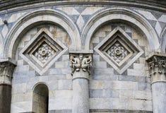 La torre inclinada de Pisa (detalle) fotografía de archivo
