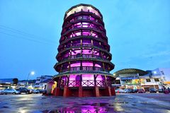 La torre inclinada de Teluk Intan Imagen de archivo