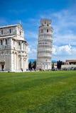 La torre inclinada en Pisa, Italia Foto de archivo