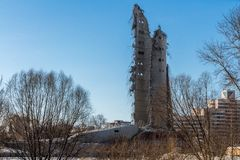 La torre non finita della TV a Ekaterinburg in Russia è stata fatta esplodere 03/24/2018 Fotografia Stock Libera da Diritti