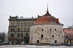 La torre redonda, uno de los símbolos de Vyborg Foto de archivo