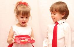 La torta de las Santo-Tarjetas del día de San Valentín Imagen de archivo libre de regalías