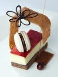 La torta di formaggio della fragola ha decorato il primo piano fotografie stock libere da diritti
