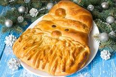 La torta festiva original bajo la forma de Santa Claus fotos de archivo
