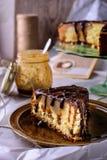 La torta hecha en casa con la pera Fotografía de archivo libre de regalías