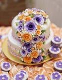 La torta más hermosa para el evento del solemnization DOF bajo Imagenes de archivo
