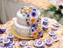 La torta más hermosa para el evento del solemnization DOF bajo Foto de archivo