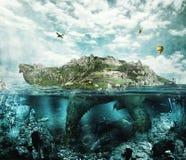 La tortue d'imagination aiment une île Photographie stock libre de droits