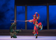 """La tortuga capturará - el  blanco de Opera""""Madame Snake†de la sexta del acto del agua colina-Kunqu de oro de los desbordamie Imagenes de archivo"""