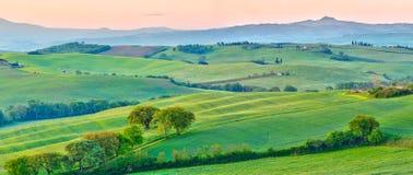 La Toscana alla molla immagini stock libere da diritti