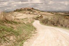 La Toscana - la città di Hillside di Mucigliani fotografia stock