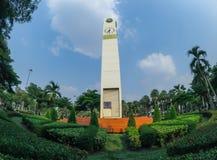 La tour d'horloge grande de place blanche a appelé la position de ` de tour d'horloge de club de lions de ` comme point de repère Images stock