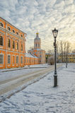 La tour de Bibliotechnaya du lavra d'Alexander Nevsky Photographie stock libre de droits