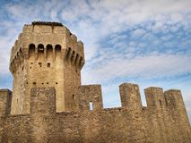 La tour de Cesta avec le fond de ciel bleu, Saint-Marin photo stock