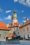 La tour de château ?eský Krumlov République Tchèque Photos stock