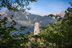 la tour de cloche de la cathédrale de Saint-Nicolas dans Merano, Bolzano, Tyrol du sud, Italie photo libre de droits