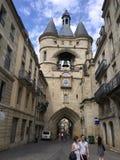 La Tour de L' Horloge ( la grosse cloche) 红葡萄酒,法国 库存照片