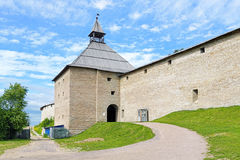 La tour de porte de la forteresse de Staraya Ladoga, Russie Photo stock