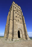 La tour de St Michael au massif de roche de Glastonbury, Somerset, Angleterre, Royaume-Uni Images stock