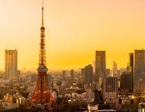 la tour en acier de Tokyo d'élévation résidentielle moderne élevée en verre concrète du Japon de constructions de construction d' photos libres de droits