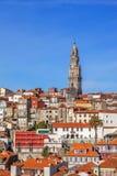 La tour iconique de Clerigos dans la ville de Porto, Portugal Photos libres de droits