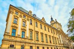 La tour mathématique dans le bâtiment principal de l'université de Wroclaw a été construite pendant les années 1728 - 1737 Images libres de droits