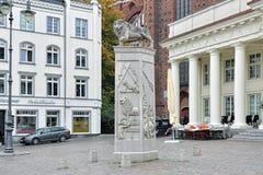 La traccia di Lion Monument sul quadrato del mercato di Schwerin, Germania Immagine Stock