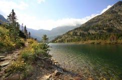 La traccia intorno a Bertha Lake Waterton Provincial Park, Alberta, Fotografie Stock