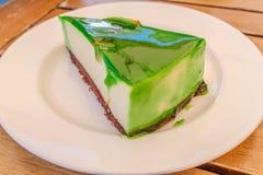 La tranche de vert a glacé le gâteau de flan de pomme Photo libre de droits