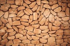 La tranche en bois de rondin a coupé la texture en bois de mur de bois de construction Photographie stock