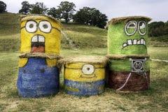 La Transylvanie, Roumanie - 16 août 2015 : Subordonnés dessinés sur des balles de foin Nombre d'actions d'ignoble je film 2 3D an Image libre de droits