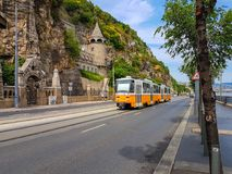 La tranvía amarilla vieja en Budapest Imagenes de archivo