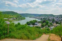 La traversée de la rivière principale les villages en Allemagne photographie stock libre de droits