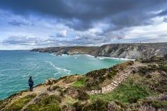 La trayectoria costera del oeste del sur en St Agnes Cornwall fotos de archivo libres de regalías