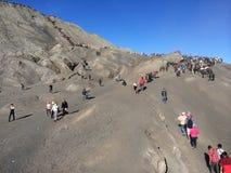La trayectoria hacia el soporte Bromo Volcano Crater en Java central, Indonesia Fotos de archivo libres de regalías