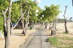 La trayectoria a la playa foto de archivo