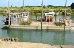 La Tremblade, ostronlantbrukhamn, maritima Charente, Frankrike arkivfoto