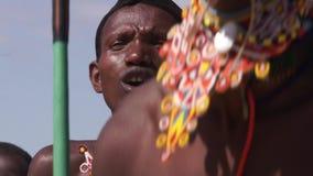 La tribu de Samburu salta danza almacen de video