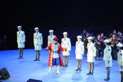 La troupe d'art d'armée et gala-theFamous et classicconcert folkloriques de la main du Xinjiang Photos libres de droits