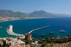 La Turchia, Alanya - torretta e porto rossi Immagini Stock Libere da Diritti