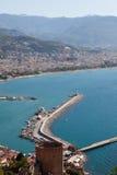 La Turchia, Alanya - torretta e porto rossi Fotografia Stock Libera da Diritti