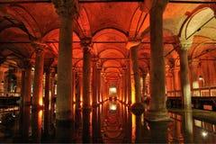 La Turchia. Costantinopoli. Cisterna sotterranea della basilica Fotografia Stock Libera da Diritti