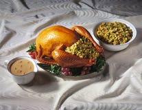 La Turquie avec le bourrage et la sauce au jus Images stock