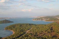 La Turquie et la Grèce en mer Égée encadrent des îles photos stock