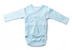La tuta del neonato blu isolata su bianco Fotografia Stock
