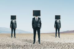 La TV a dirigé des hommes photo libre de droits
