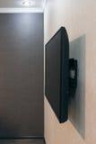 La TV montó sobre la pared Imagen de archivo libre de regalías