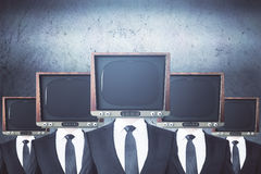 La TV obsolète a dirigé des hommes d'affaires Photo libre de droits