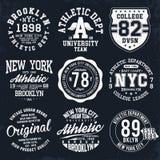 La typographie de New York, Brooklyn, insignes réglés pour le T-shirt impriment Graphiques de T-shirt de style de fac illustration stock